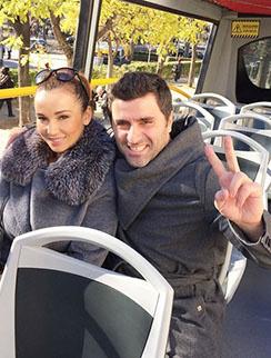 Анфиса и Гурам катаются по Мадриду на трамвайчике