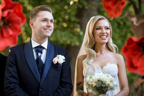 Влюбленные поженились в начале июня
