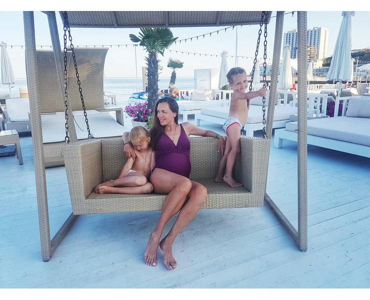 Мария с дочерями в Одессе