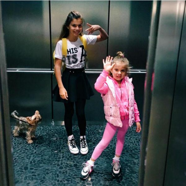 Алина и Моника