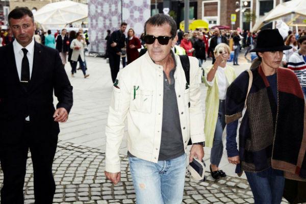 Антонио Бандерас впервые за долгое время прилетел в Москву