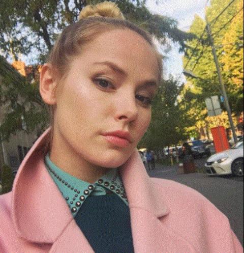 Звезда сериала «Реальные пацаны» Зоя Бербер крестила дочь