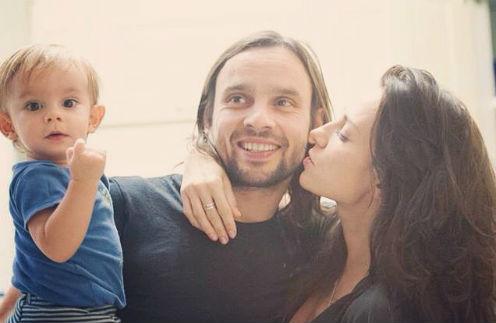 Светлана убеждена, что родители не должны скрывать чувств при ребенке