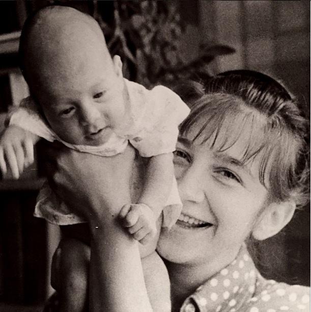Иван Ургант с мамой Валерией Киселевой