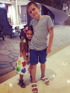 9-летний сын Михаила Даня и 5-летняя дочь Ксении Маруся давно считают друг друга братом и сестрой