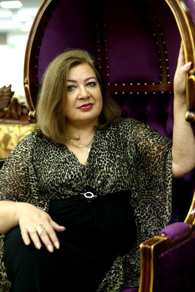 Целительница Жанна Кострова на днях помогла экс-участнице «Дома-2» Ирине Агибаловой