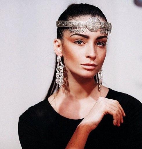 Яна Аносова