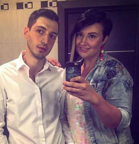 Иосиф Оганесян не рассказал родителям о свадьбе с Сашей Черно
