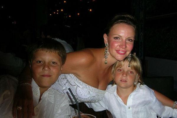 Яна Прежевская с сыновьями
