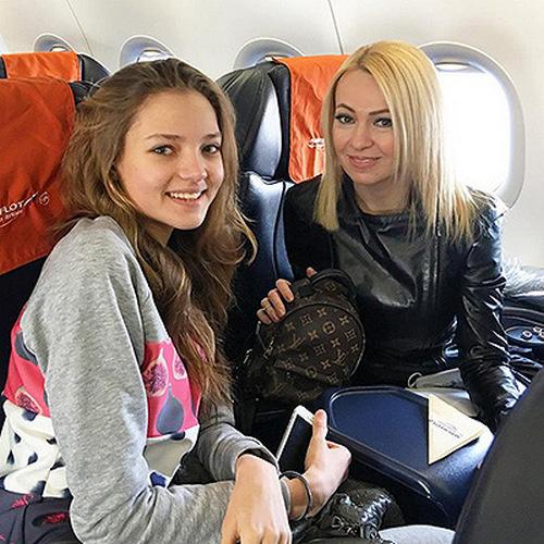 Яна Рудковская и Алеся Кафельникова