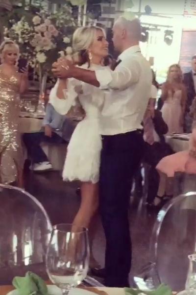 Невеста сменила два образа за вечер