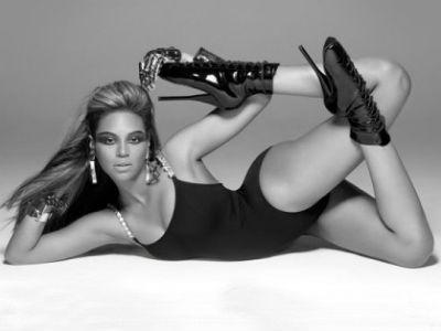 Бейонсе снялась в экстравагантной обуви для обложки альбома DIVA