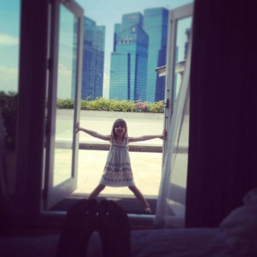 Похоже, что 5-летняя Лида рада отдыху