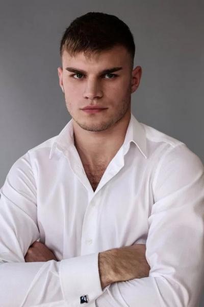 Сын Михаила Пореченкова Владимир окончил Щепкинское училище
