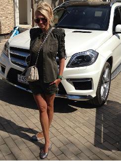 Яна Рудковская и ее новый автомобиль