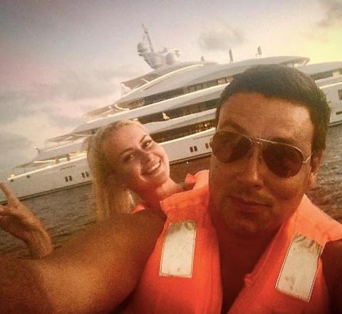 Участники телепроекта «Дом-2. Остров любви» Андрей Чуев и Марина Африкантова