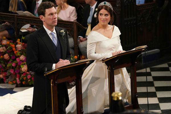 Джеймс и Евгения приносят клятвы верности
