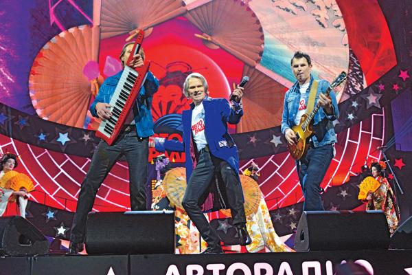 Участники группы Joy собрались вместе специально для выступления в шоу