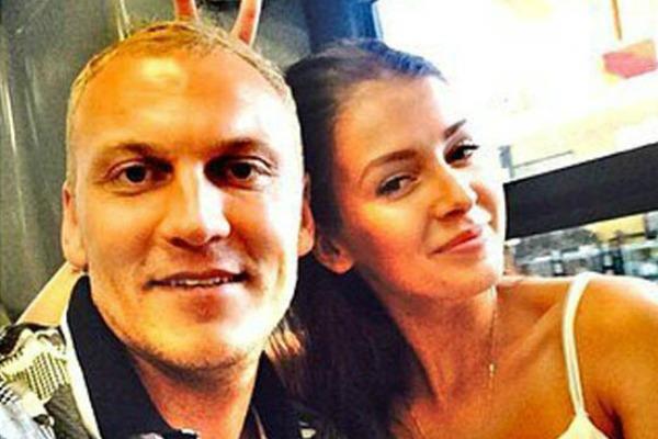 Незадолго до конкурса модель рассталась с биатлонистом Андреем Наумовым