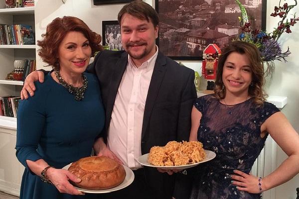 Роза Сябитова с детьми Ксенией и Денисом