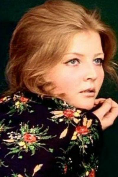 Несмотря на невероятную популярность, актриса всегда жила очень скромно
