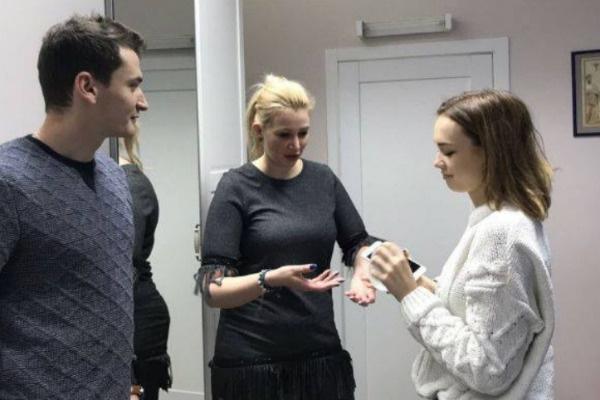 Диана Шурыгина с супругом выбирают импланты