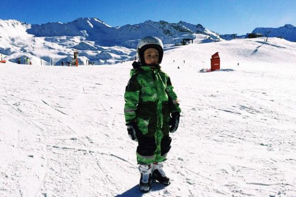 Свои новогодние каникулы Богдан проводит с папой на горнолыжном курорте