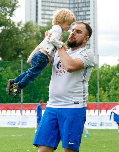 Игрок сборной правительства РФ вместе с сыном