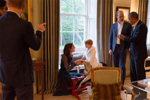 Встреча принца Георга с высокими гостями проходила в присутствии его родителей