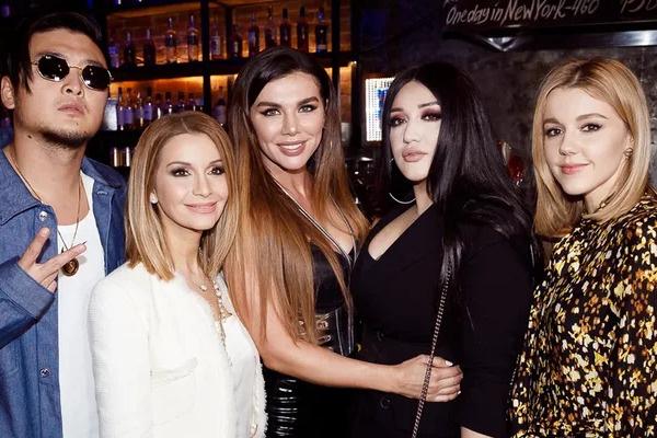 Седокову поддержали звездные друзья