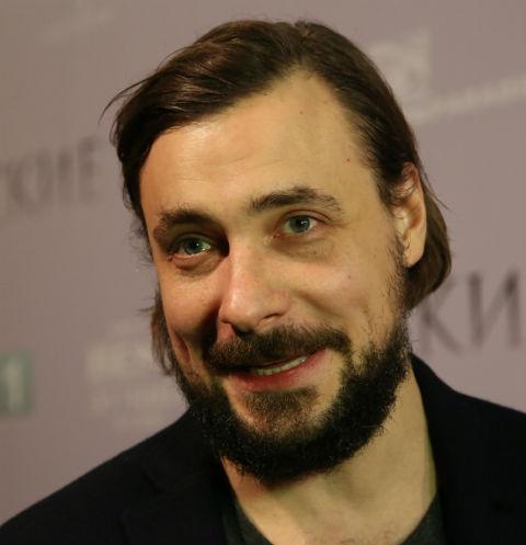 Евгений Цыганов живет на две семьи