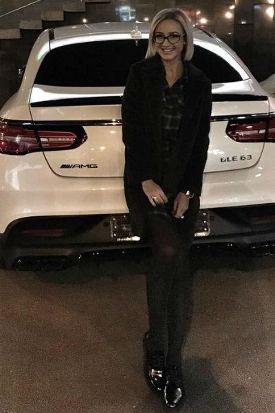 После развода футболист отобрал машину у Ольги Бузовой