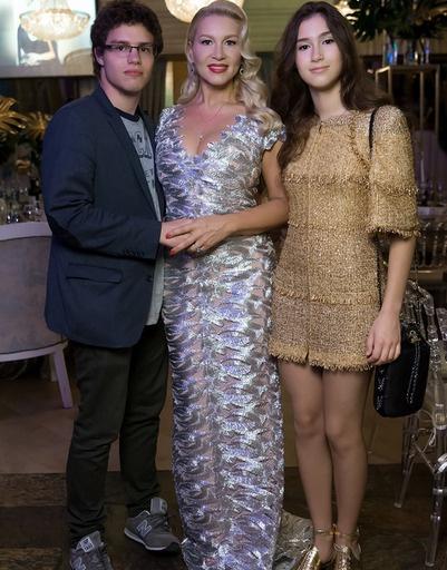 Екатерина Одинцова с Антоном и Диной Немцовыми
