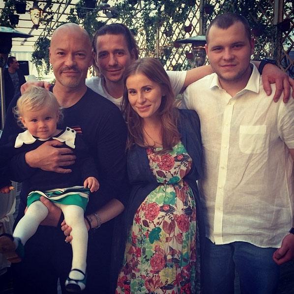 Невестка Тата совсем скоро подарит Бондарчуку еще одну внучку или внука
