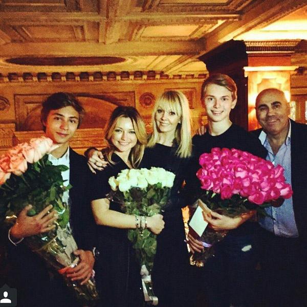 Дима и Инна Маликовы, Валерия, Дени, Иосиф Пригожин пришли на концерт с участием Арсения Шульгина
