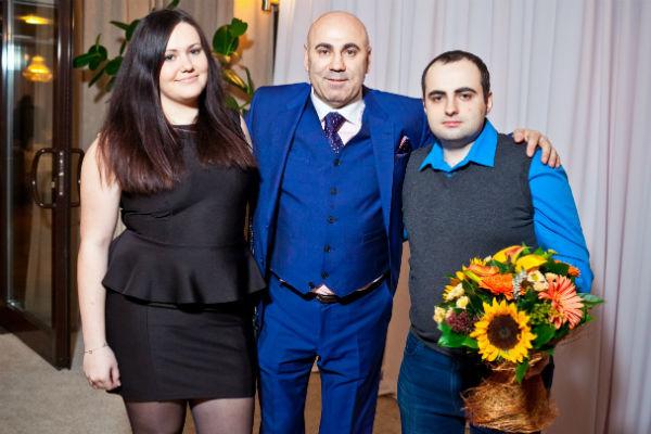 Продюсер с дочкой Даной и сыном Димой на праздновании своего дня рождения, 2 апреля 2015 года