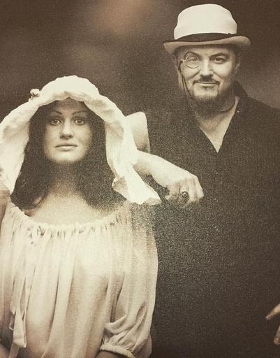 Максим Леонидов поделился забавным снимком с женой