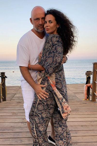 Слухи о романе звезд появились после того, как в 2014 году Потап развелся с первой женой