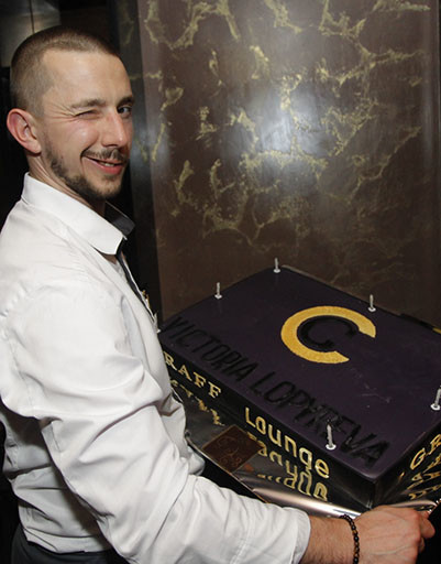 Торт в честь открытия ресторана Виктории Лопыревой