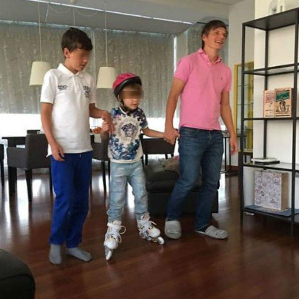 Андрей Аршавин с детьми Алисы Казьминой