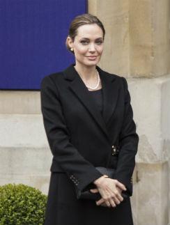 Анджелин Джоли