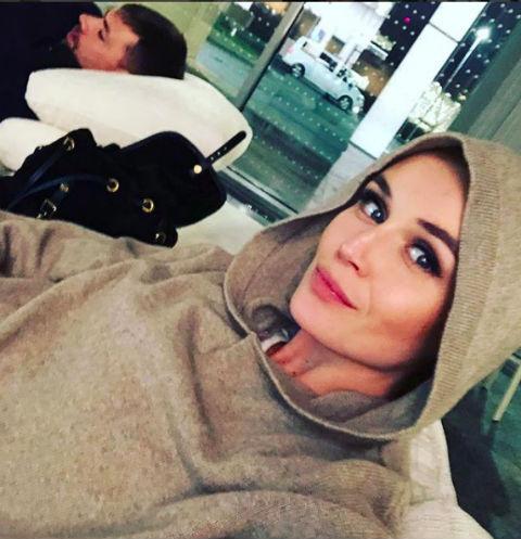 Полина Гагарина совершила неожиданный поступок в самолете