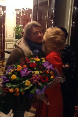 Николай Басков и хозяйка праздника