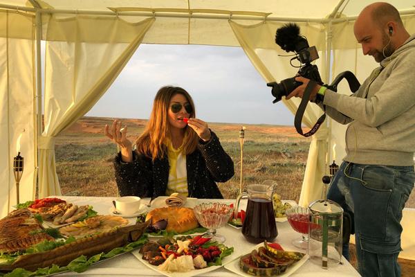 В Астрахани ведущая отведала много необычных и необычайно вкусных блюд