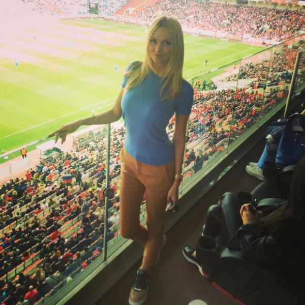 Виктория активно болеет за российскую сборную по футболу