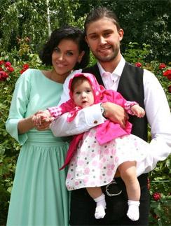 Таня Терешина с мужем Славой Никитиным и дочкой Арис