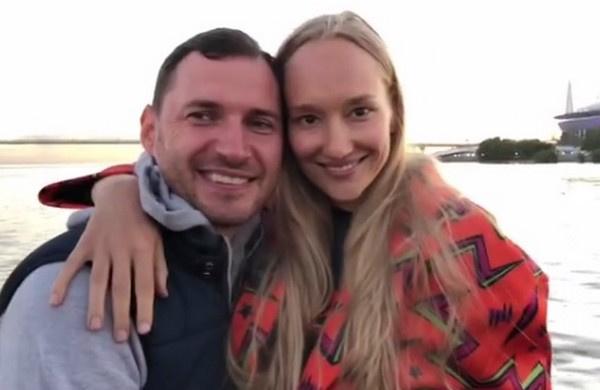 Полина Сидихина с мужем