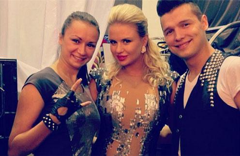 Анна Семенович в новом платье
