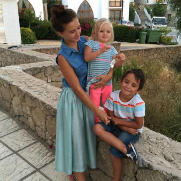 Маргарита воспитывает двоих детей