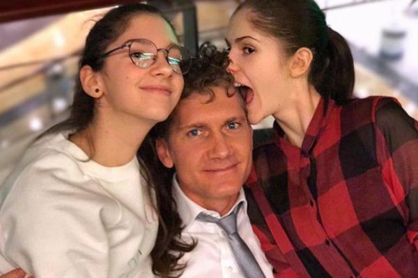 Илья с дочерьми